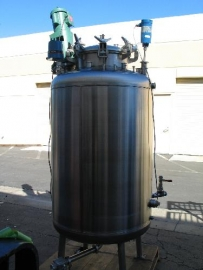 Santa Rosa 1000 Liter 316L Stainless Tank with Agitator