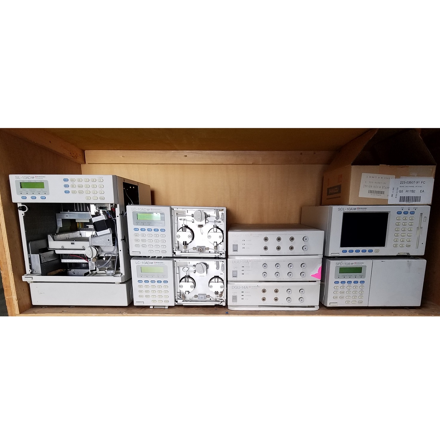 Assorted Shimadzu Chromatography HPLC Components - LabTrader